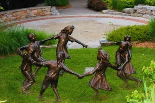 bronze-children-statues