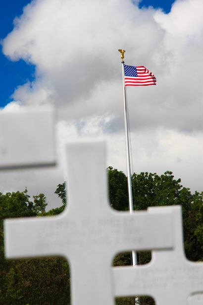 cemetery-and-flag-11298491535eH0